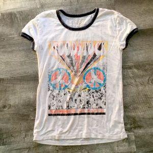 Vintage style Woodstock t shirt SUPER CUTE size S